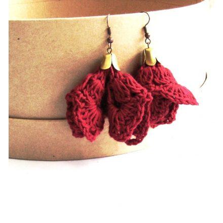 Piros női fülbevaló, csipke virág fülbevaló