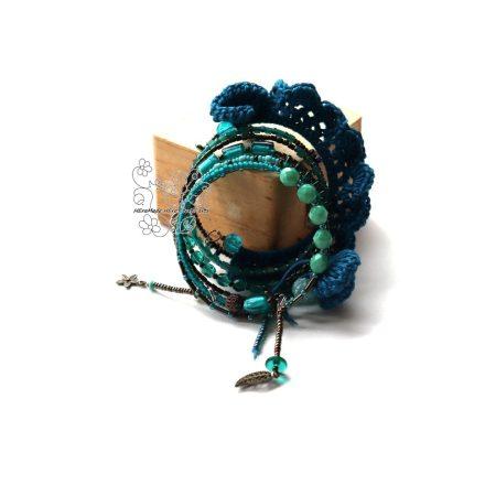Boho karkötő, türkizkék textil gyöngy rojtos karkötő